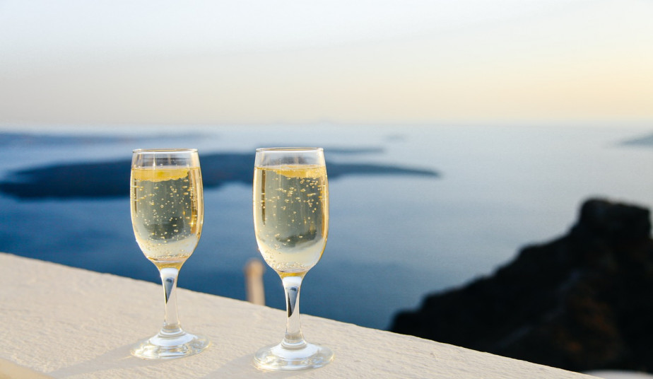 10 Day Honeymoon Tour Package in Greek Islands Crete, Santorini, Mykonos