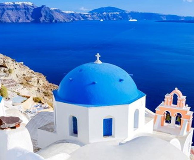 10 Day Group Tour in Mycenae, Olympia, Delphi, Meteora, Santorini and Mykonos