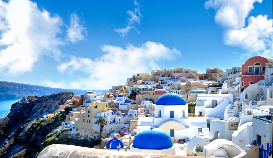 10 Day Greek Island Tours, Milos, Naxos, Santorini to enjoy the Endless Blue!
