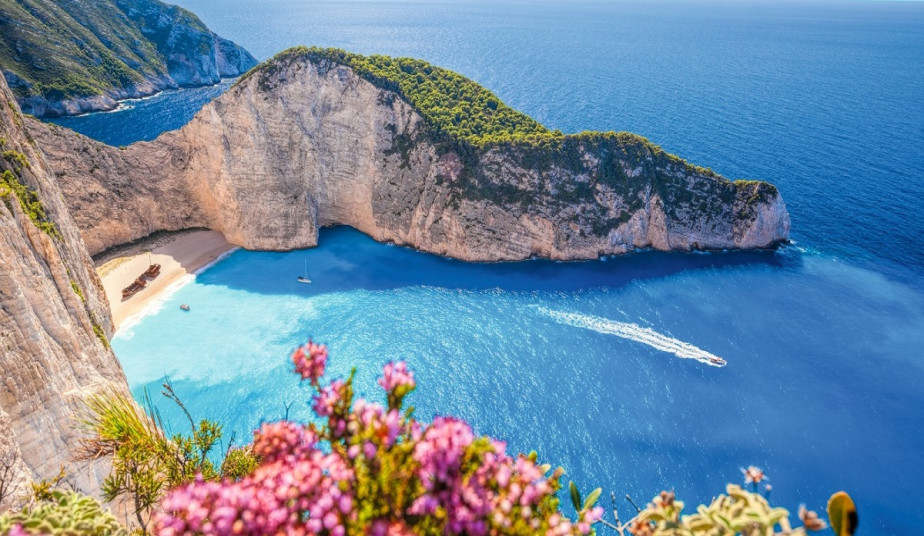 12 Day Greek Islands Tour Package to: Delphi, Meteora, Zakynthos & Santorini