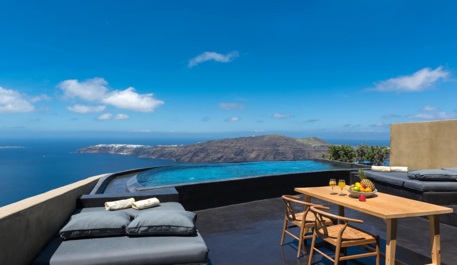 12 Day Luxury Holidays to Greek Islands, Milos, Santorini, Naxos