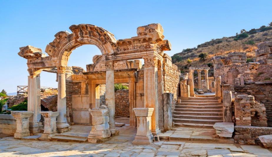 14 Day Christian Tour Greece following Apostle Paul & 3 day Cruise to Kusadasi, Ephesus, Patmos, Crete, Santorini
