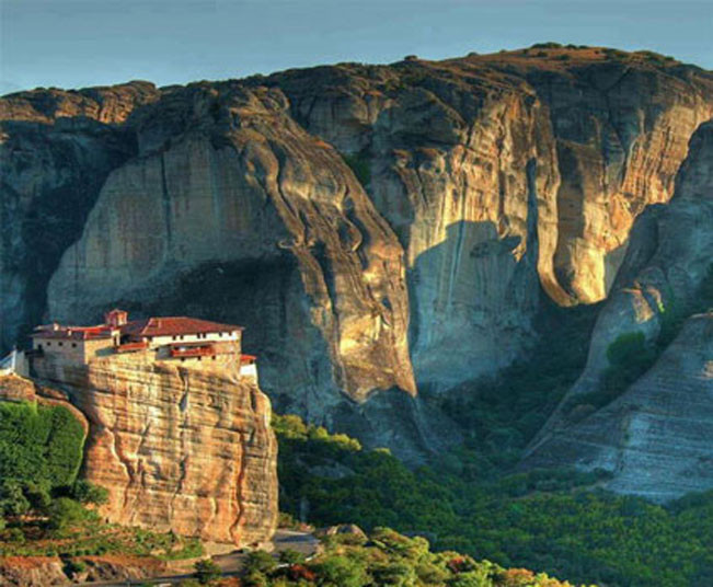 Award Winning 2 day private tour to Delphi & Meteora from Athens
