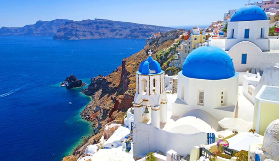 4 Day Greek Islands Hopping: Visit Paros, Mykonos & Tour in Santorini, to admire the famous Caldera Sunset