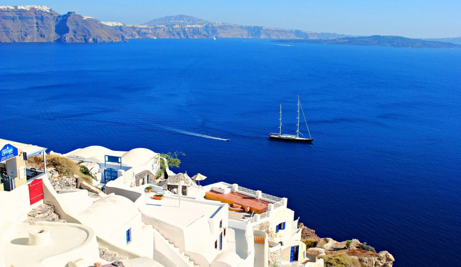 4 Nights Cruise to Mykonos, Santorini, Rhodes, Kusadasi, Crete, Patmos
