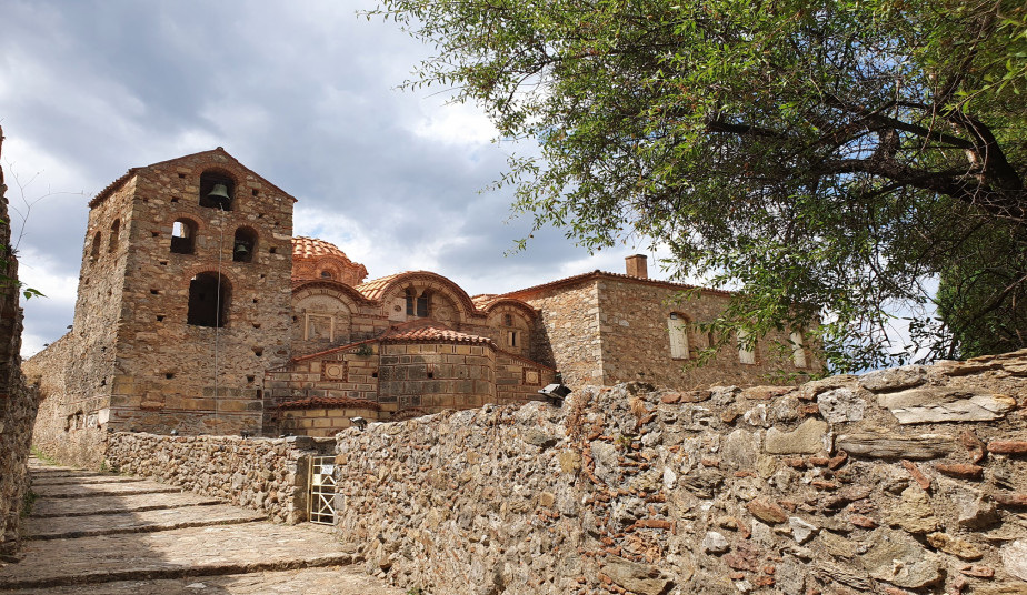 5 Day Special Tour Peloponnese, Sparta, Mystras, Diros Caves, Argolis, Delphi