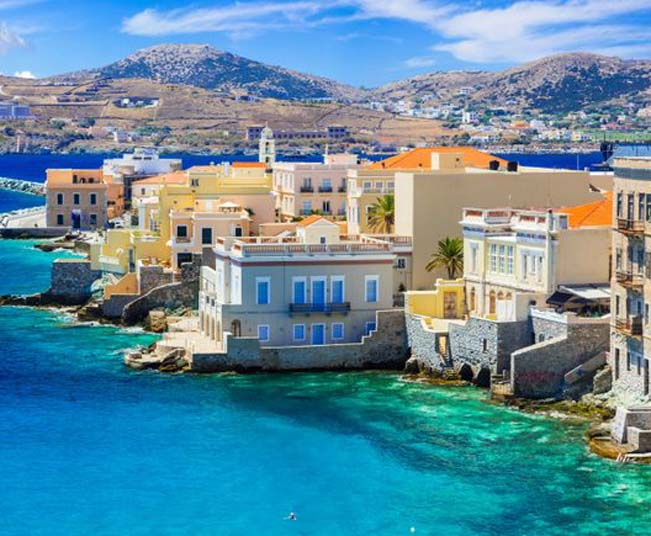5 Day Tour  in Syros, Mykonos, Santorini, mix of Cycladic-Venetian Architecture