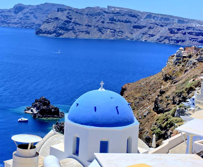 5 Day Group Tour in Delphi, Meteora, Santorini, Mykonos from Athens
