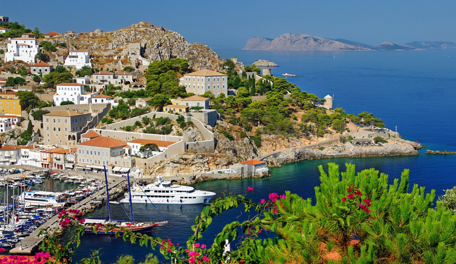 6 day Greek Tour Package to Santorini, Delphi,  Athens & Saronic Islands Cruise