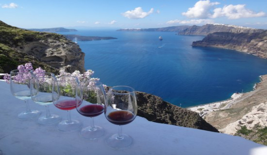 6 Day Wine Tour at Ancient Nemea & Wine Experience in Santorini
