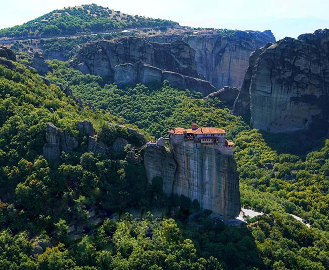 8 Day Tour Package in Delphi, Meteora & Tour in Santorini from Athens