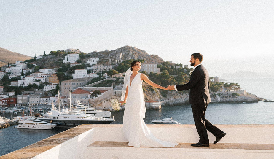 8 Day Magical Honeymoon Tour Package Greece, Athens, Santorini & Tour at the Romantic Island of Hydra