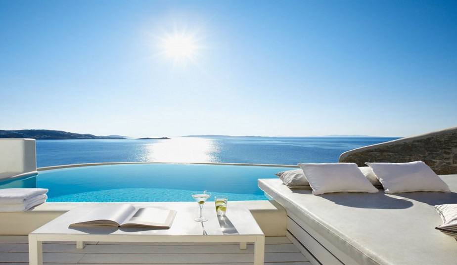 9 Day Luxury Holidays in Santorini & Mykonos from Athens & Oia Sunste