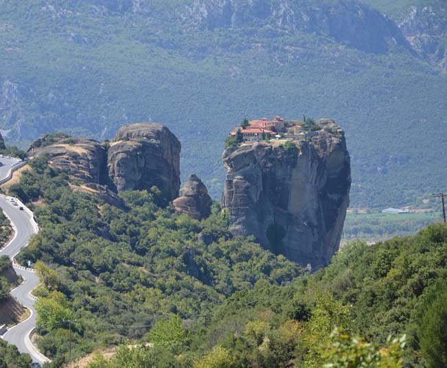 3 Days Classical Bus Tour in Greece to vist Delphi & Monasteries of Meteora