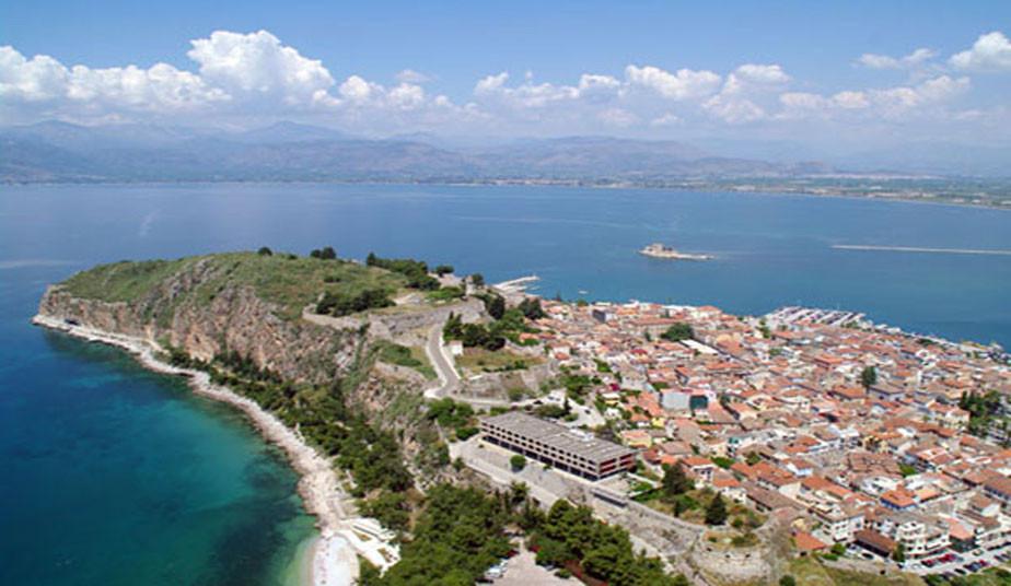 5 Days Organised Bus Tour Greece: Canal of Corinth, Mycenae, Epidaurus, Nafplio, Olympia, Delphi, Meteora
