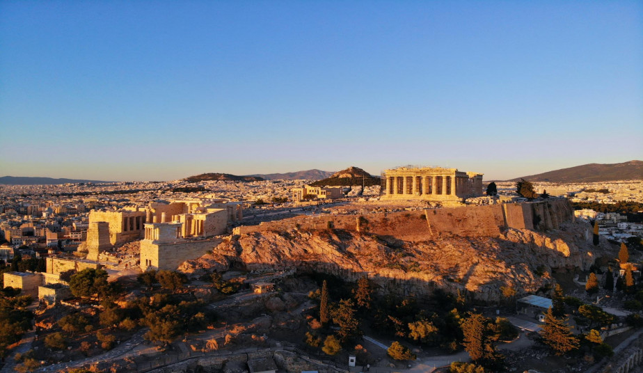 Bus Tours in Greece: Athens By Night Tour, Acropolis and Folk Show Dance