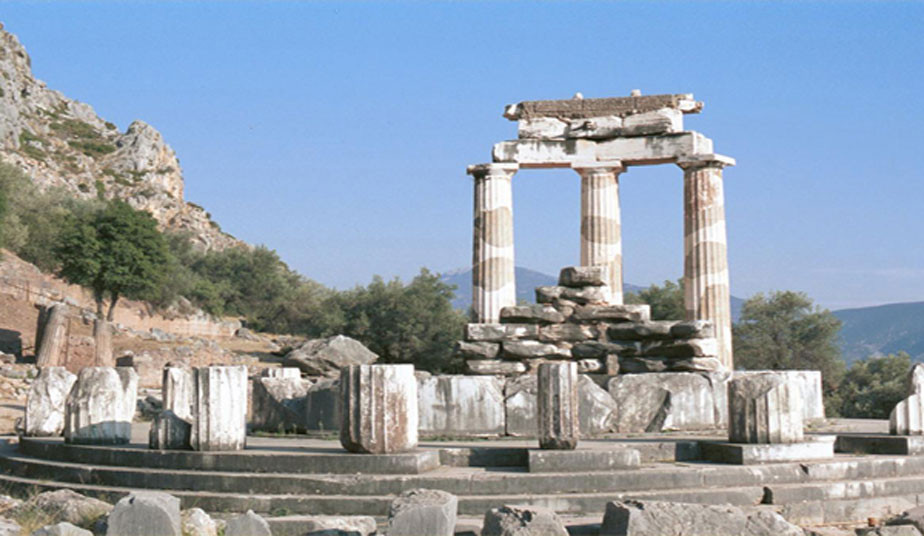 4 Day Classical Bus Tour in Greece, Mycenae, Olympia, Delphi, Meteora