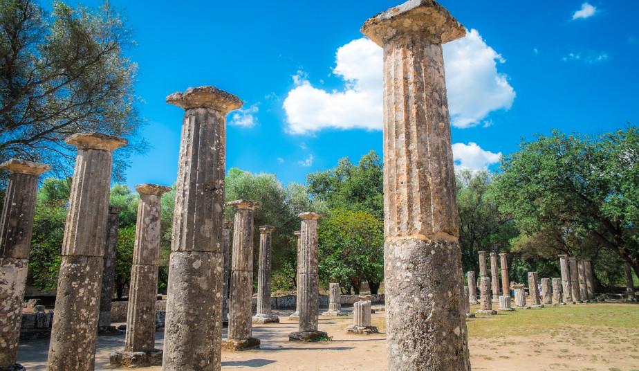 4 Day Classical Bus Tour in Greece, Mycenae, Olympia, Delphi, Meteora