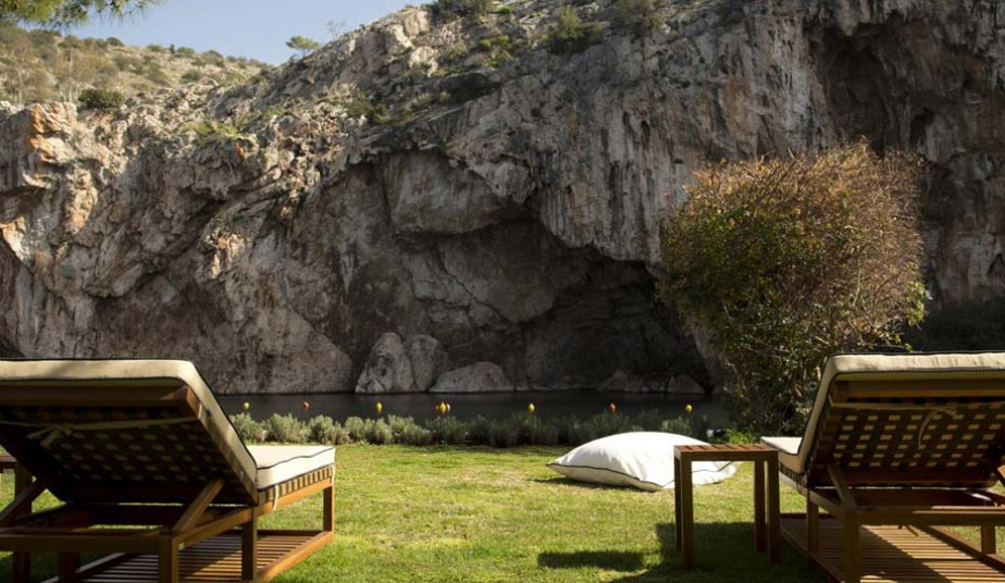 Private Tour in Acropolis & Lake of Vouliagmenis with Fish Spa Peeling