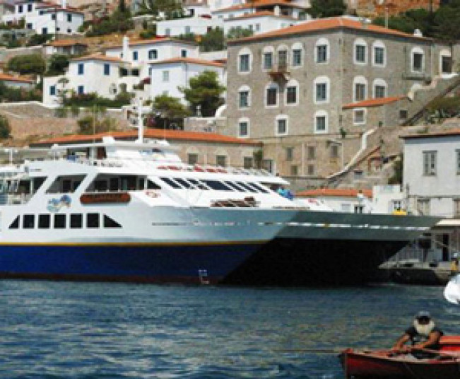 One Day Cruise tour to Saronic Islands from Athens. Visit Poros, Hydra, Aegina