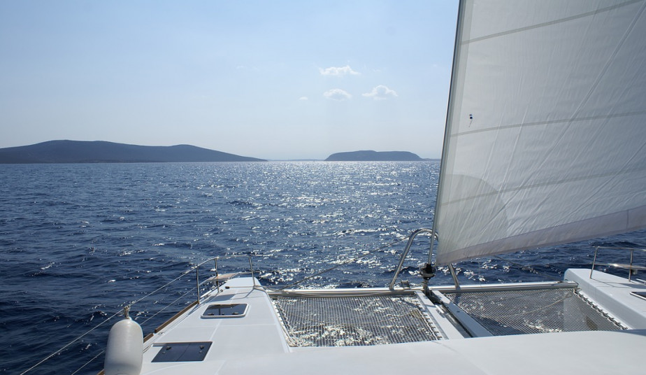 Semi Private Sailing Cruise Tour to Rhenia Island & Guided Delos Tour