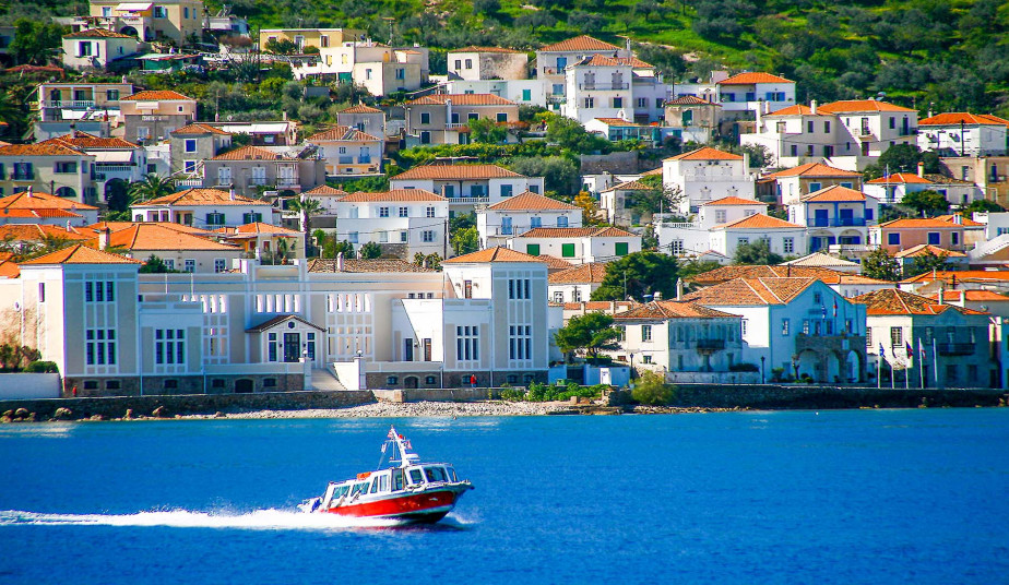 One Day Self Guided Tour to Spetses, Saronic Gulf's most Cosmopolitan Island
