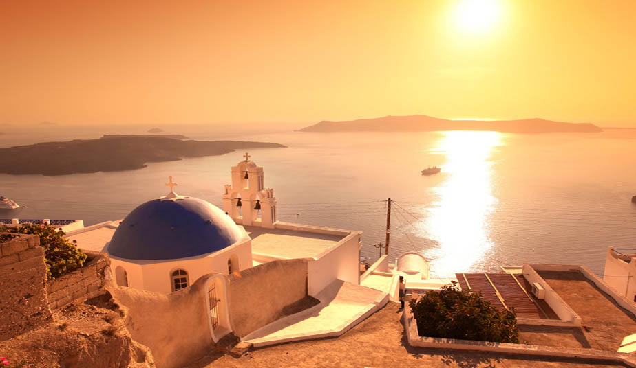 Sunset Cruise Tour to Volcano in Santorini with Buffet on Board
